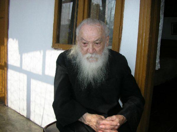 Părintele Adrian Făgeţeanu
